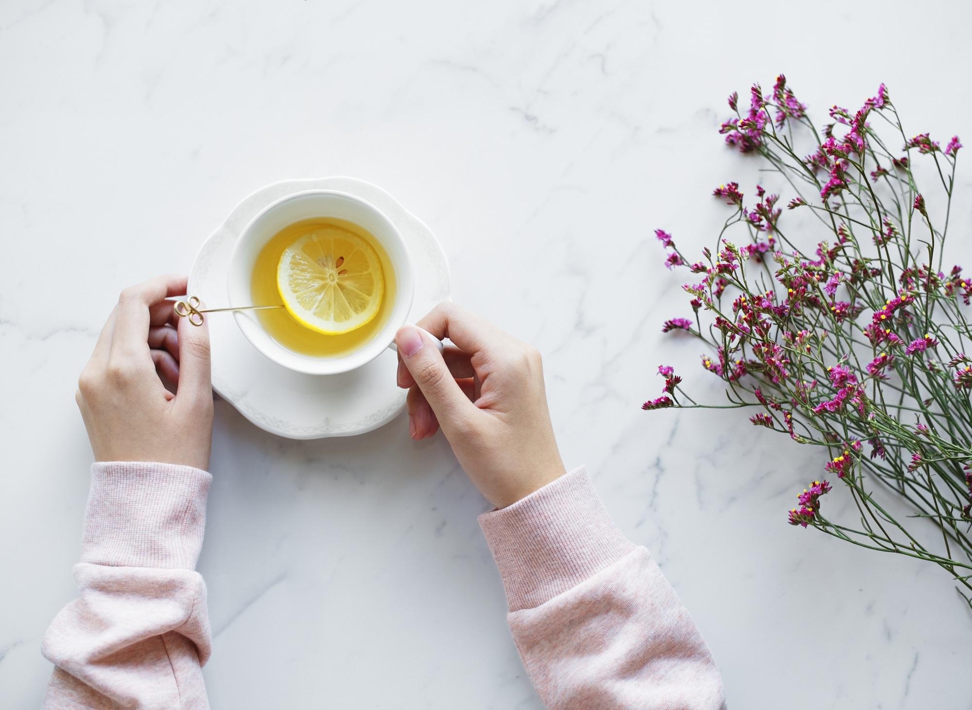 نوشیدن لیمو برای عقب انداختن قاعدگی