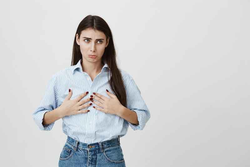 تغییرات سینه ها یکی از علائم بارداری در هفته سوم