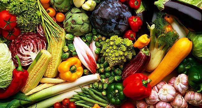 استفاده از سبزیجات رنگارنگ در سالاد