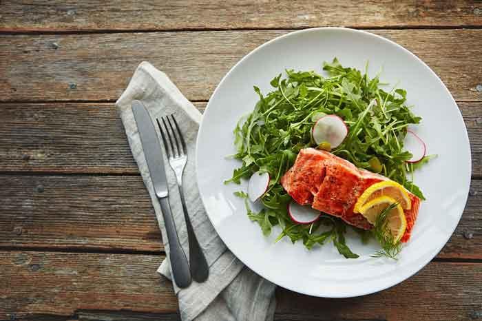 مصرف پروتئین برای صاف کردن شکم