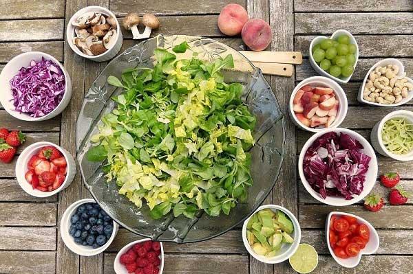 توجه به مصرف سبزیجات در تغذیه بدنسازی